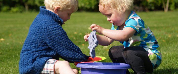 Tarefas domésticas: seus pequenos devem participar