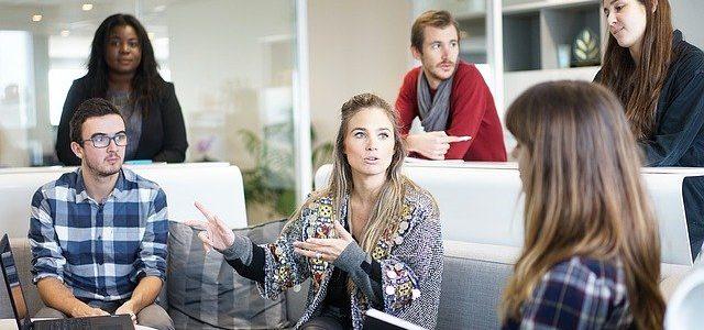 Como as empresas cadastram funcionários no PIS?